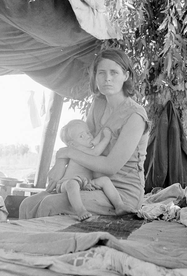 Oklahoma drought refugees camping by the roadside at the California - Arizona border. Photo: Dorothea Lange