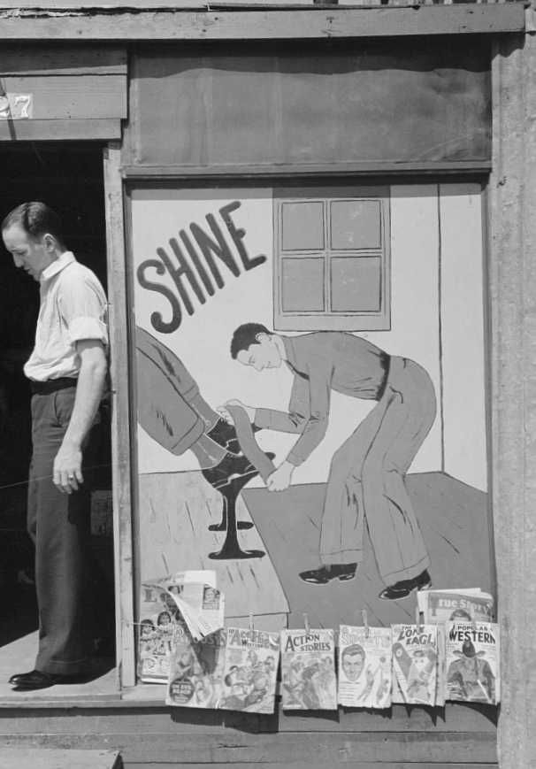 Sign on side of shoe shine parlor, San Antonio, Texas   Photo: Russell Lee