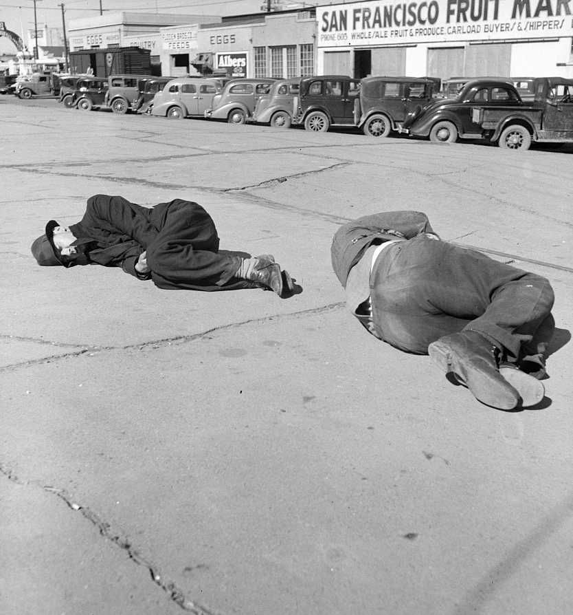 Scene on Skid Row, Howard Street, San Francisco, California  Photo: Dorethea Lange